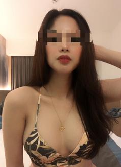 Celine - escort in Makati City Photo 5 of 8
