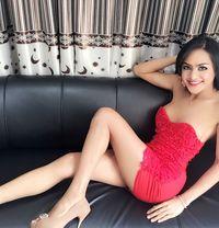 Chailai - Transsexual escort in Dubai Photo 1 of 11