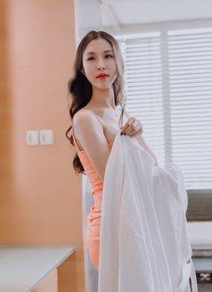 Cherry - escort in Shanghai Photo 2 of 10