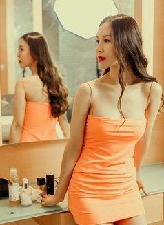 Cherry - escort in Shanghai Photo 4 of 10