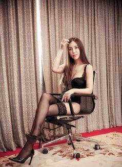 Cherry - escort in Shanghai Photo 5 of 10