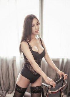 Cherry - escort in Shanghai Photo 6 of 10