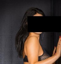 Chiara - escort in Geneva