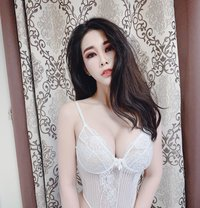 Chichi Wáng - escort in Seoul Photo 1 of 8