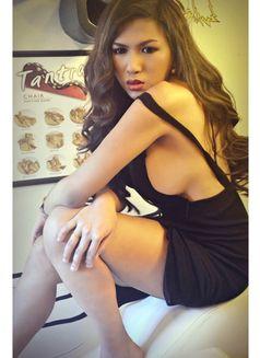 LAST FEW DAYS OF CHINITA PRINCESS - Transsexual escort in Dubai Photo 1 of 27