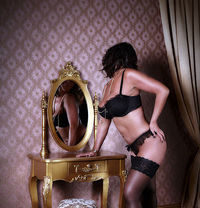 Chloe Uk - escort in Northampton