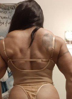 Christine Mb - masseuse in Ottawa Photo 1 of 10