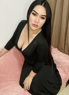 Chubby bigboobs sexy ass - Transsexual escort in Dubai Photo 3 of 14