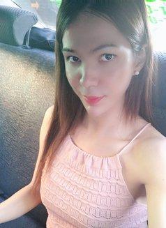 Cindy - escort in Makati City Photo 24 of 25