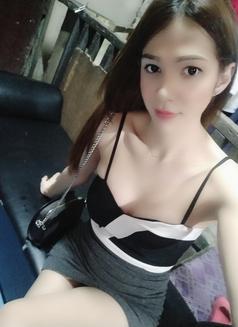 Cindy - escort in Makati City Photo 15 of 25