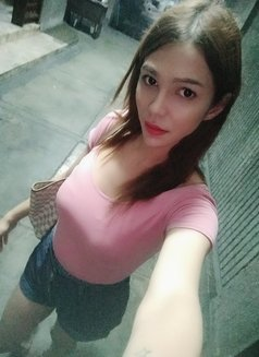 Cindy - escort in Makati City Photo 2 of 25