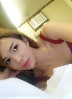 Cindy - escort in Makati City Photo 4 of 25
