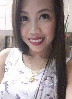 Jane - escort in Makati City Photo 2 of 9