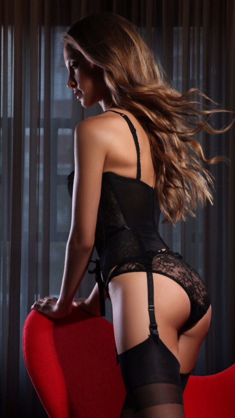 escort estonia claudia striptease