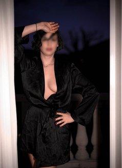 Cleo Hari M Sc - escort in Amsterdam Photo 1 of 19