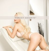 Coni - escort in Geneva