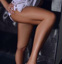 Sexy Cora Prostata expertin - escort agency in Vienna