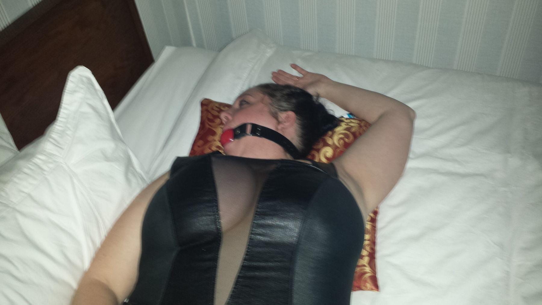 farting female escort in winnipeg