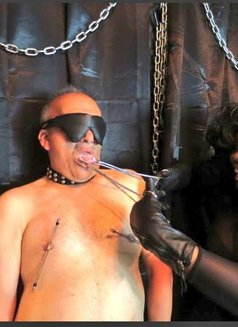 Countess Dionysus - dominatrix in Athens Photo 4 of 5