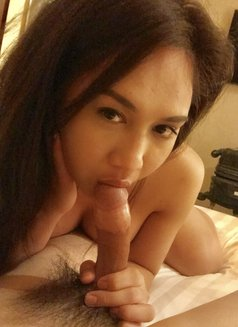 Creamy XinAshlee available for camshow - Transsexual escort in Manila Photo 16 of 21