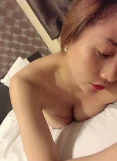 Criselda - Transsexual escort in Macao Photo 2 of 6