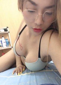 Criselda - Transsexual escort in Macao Photo 6 of 6