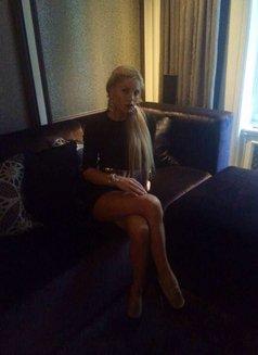 Danika - escort in Shanghai Photo 6 of 9