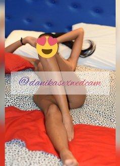 Danika - escort in Manta Photo 7 of 13