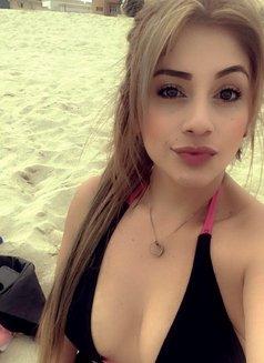 Danna Hot Colombian - escort in Dubai Photo 4 of 12