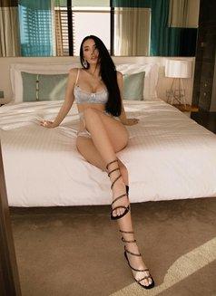 Darina - escort in Singapore Photo 4 of 9
