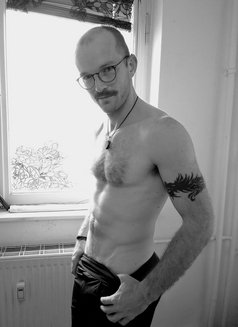 David - masseur in Berlin Photo 5 of 7