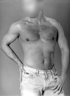 David - masseur in Madrid Photo 2 of 6