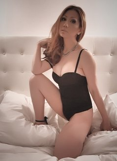 Delicious Courtesan - Transsexual escort in Amsterdam Photo 5 of 13