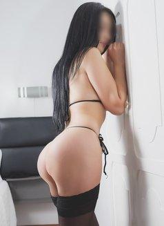 Denisse Medina - escort in Bogotá Photo 3 of 5