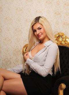 Diana Vip International Companion - escort in Prague (Praha) Photo 5 of 7