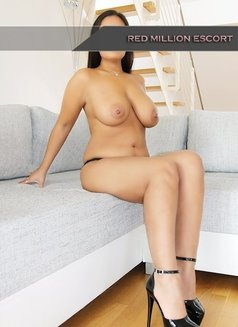 Didem - escort in Cologne Photo 2 of 6