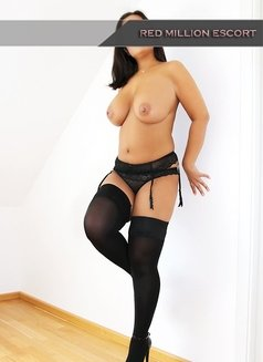 Didem - escort in Cologne Photo 3 of 6