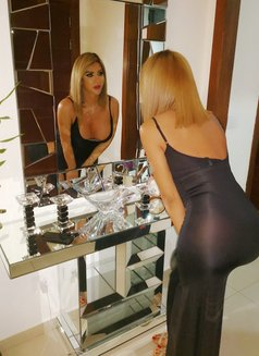 Diva Melissa - Transsexual escort in Beirut Photo 27 of 28