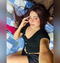 Divya19 - Transsexual escort in Mumbai Photo 2 of 24
