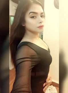 Divya19 - Transsexual escort in Mumbai Photo 6 of 16