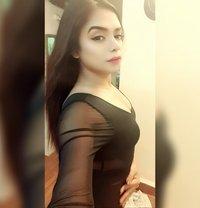 Divya19 - Transsexual escort in Mumbai Photo 8 of 10