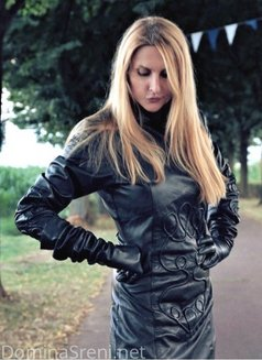 Dominatrix - Domina Sreni - dominatrix in Milan Photo 1 of 4