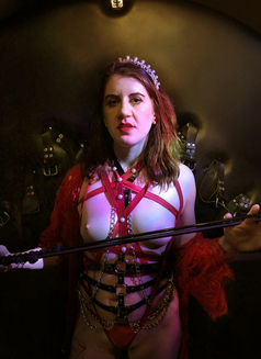 Dominatrix Queen Luna - dominatrix in London Photo 1 of 14