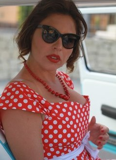 Donna. Paris - escort in Paris Photo 5 of 11