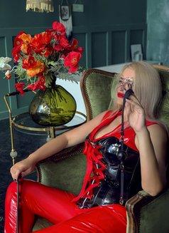 Dubai Fetish BDSM Mistress Nuar - dominatrix in Dubai Photo 27 of 30