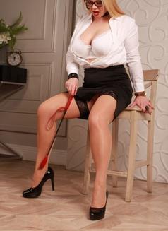 Dubai Fetish BDSM Mistress Nuar - dominatrix in Dubai Photo 26 of 30