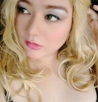 Mistress Edelweiss - Transsexual dominatrix in Makati City Photo 1 of 4