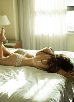 Eden Holly is in SYDNEY - escort in Melbourne Photo 5 of 5