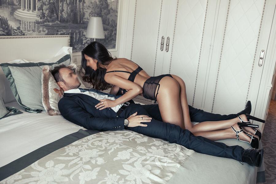 Escort In Maui Married Couple Hire Escort Munderu Associates