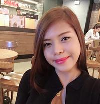 Ella - escort in Macao